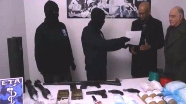 Hallan en Francia un zulo con un arsenal de ETA con el que pretendía escenificar su desarme
