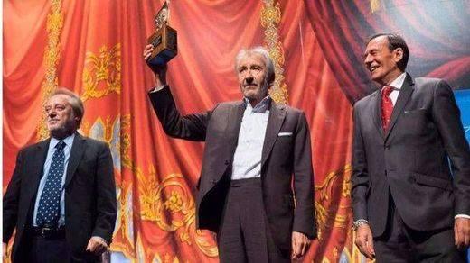José Sacristán homenajea a Pepe Isbert al recoger el Premio Nacional de Teatro