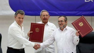 Santos extiende hasta el alto el fuego con las FARC hasta final de a�o