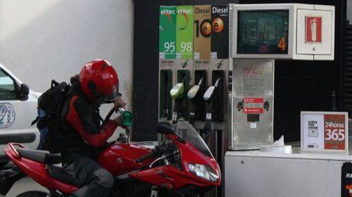 Los precios suben por fin tras 9 meses de caídas gracias a la gasolina y la luz