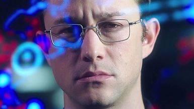 'Snowden': Oliver Stone lanza un misil empaquetado como pel�cula para toda la familia