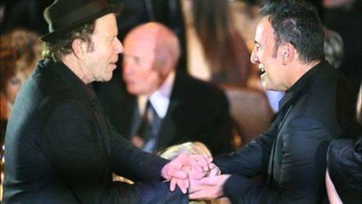 Leonard Cohen, Springsteen o Tom Waits celebran el Nobel de Dylan