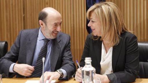 """La gestora resucita a Elena Valenciano para defender la abstención: """"Que Rajoy dimita no depende del PSOE"""