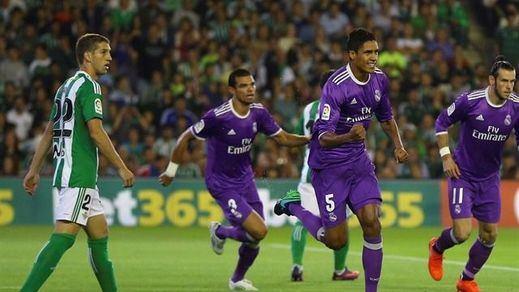 El Madrid imita a Barça y Atleti y también golea: paliza al Betis (1-6)