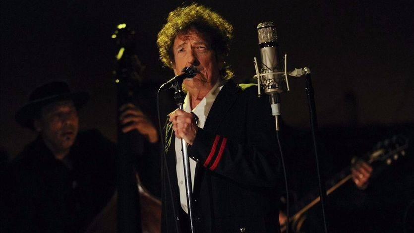 La Academia de los Premios Nobel buscan sin éxito a Bob Dylan
