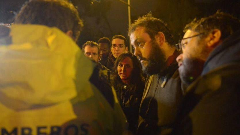 La diputada de Podemos Ione Belarra junto a concejales de Ahora Madrid