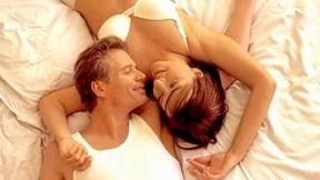 ¿Quiénes roncan más: ellos o ellas?