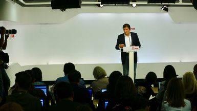 El PSOE se hunde: su intenci�n de voto cae por debajo del 16% mientras suben PP y Podemos