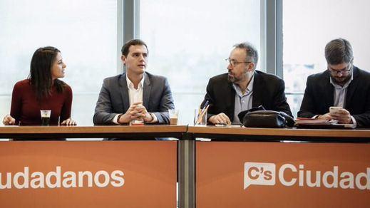 Rivera celebra el desbloqueo del Gobierno pero critica al PSOE por no pedir nada a cambio