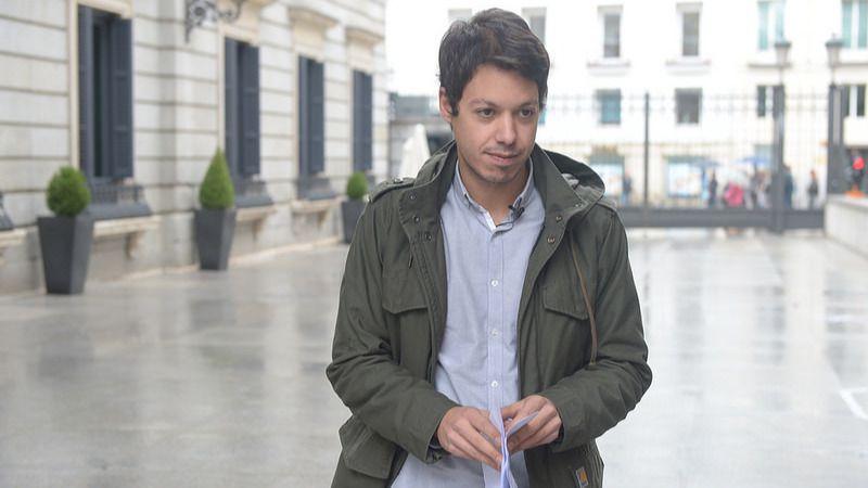 Álvarez-Cascos denuncia a un diputado de Podemos por vincularle a la trama Gürtel