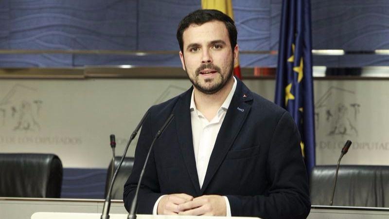 Garzón augura que la 'traición histórica' del PSOE implicará acuerdos programáticos con el PP