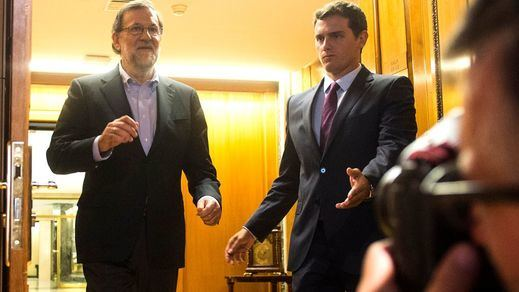 Rivera ratifica su 'sí' a la investidura en una llamada telefónica con Rajoy