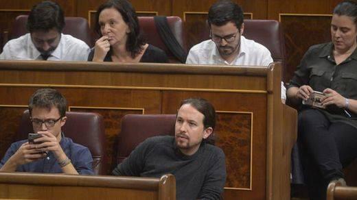 > PSOE y C's recelan del discurso de Rajoy y Podemos carga contra los socialistas