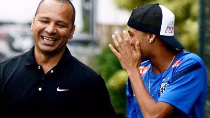 El padre de Neymar no ve 'nada malo' en la actitud de su hijo en Mestalla