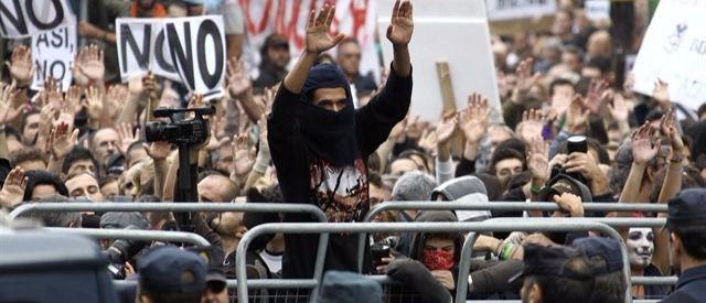 Empieza a calentarse el 'Rodea el Congreso': colectivos anticapitalistas y círculos de Podemos se suman a la convocatoria