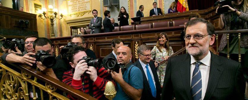 Rajoy logra la investidura casi un año después y con la bochornosa abstención del PSOE