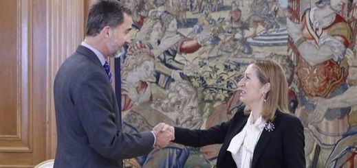 Ana Pastor comunica al Rey que Rajoy ya es presidente… pero no tiene ninguna prisa