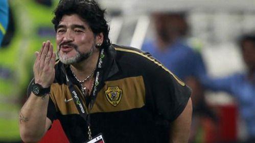 Marruecos vuelve a fichar a Maradona para que preste su imagen y su fútbol a la ocupación del Sáhara Occidental