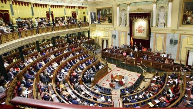 La gestora del PSOE abre expediente a los diputados rebeldes que votaron en conciencia 'NO' a Rajoy