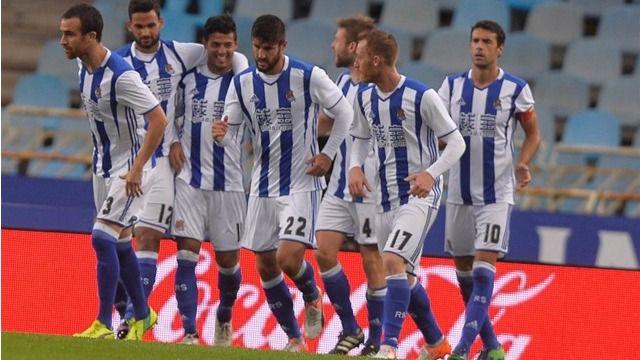 La Real Sociedad se lleva por delante a un Atleti desaparecido en el cesped (2-0)