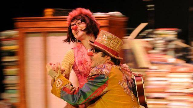 'Alegría, palabra de Gloria Fuertes': poesía, sencillez, pasión, bonhomía, circo, música y… alegría de clown