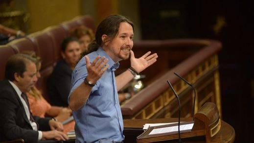 Cifuentes ataca a Pablo Iglesias por residir en una vivienda protegida propiedad de su familia
