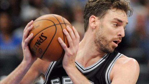 Pau sigue sin encontrar su sitio en los Spurs: sólo 2 puntos ante Houston (99-101)