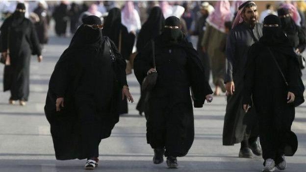 El Gobierno teócrata de Arabia Saudí vuelve a prohibir a las mujeres que conduzcan