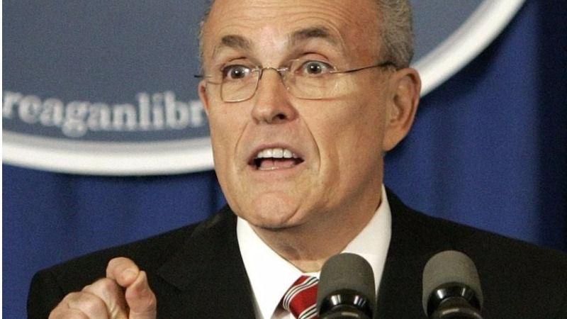 Giuliani infla aún más todas las quinielas que le colocan en el Gobierno de EEUU