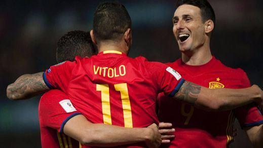 La Roja cumple con más goles que juego ante Macedonia (4-0)