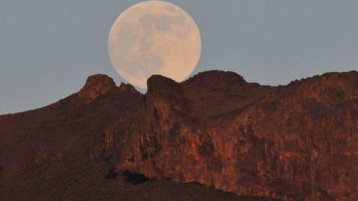 Llega la 'Superluna' más grande de los últimos setenta años