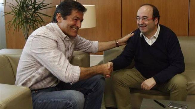 La Gestora del PSOE culminará la 'purga' con represalias a los diputados que rompieron la disciplina de voto