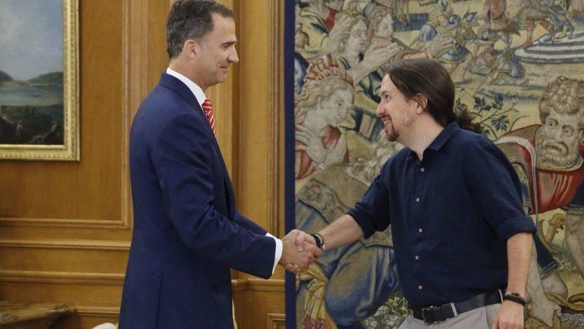 Pablo Iglesias dará 'plantón' al Rey: 'Ser patriota no es darle la mano'