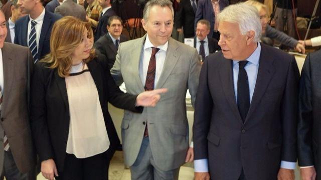Felipe González no deja títere con cabeza: sugiere a Susana Díaz que no dé un paso al frente en el PSOE porque 'la fastidiaría'
