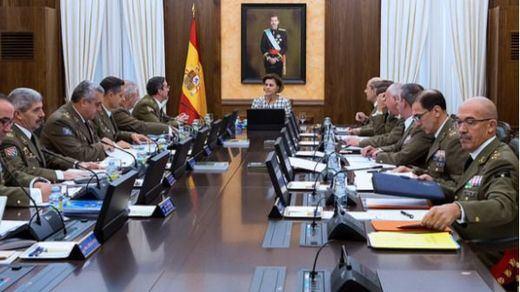 Militares que se 'rebelan' a Cospedal: convocada una protesta para denunciar la 'jubilación forzosa' por edad