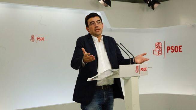 Bronca en el PSOE a cuenta de la 'purga' disciplinaria en el Parlamento