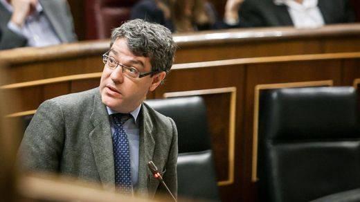 El Gobierno accede a dialogar sobre la pobreza energética tras las críticas de la oposición