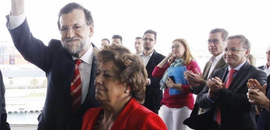 Rajoy se salta los consejos y asiste al funeral de Barberá mientras el PP levanta el 'veto'