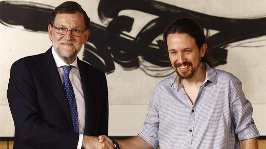 Los datos que alegran a Rajoy y Pablo Iglesias y siembran el caos en el PSOE de la gestora