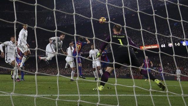 Ramos vuelve a ser el talismán del Madrid: iguala en el 90 un disputado clásico (1-1)