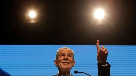 El pueblo austriaco ejerce de barrera contra la nueva derecha ultranacionalista: gana Van der Bellen