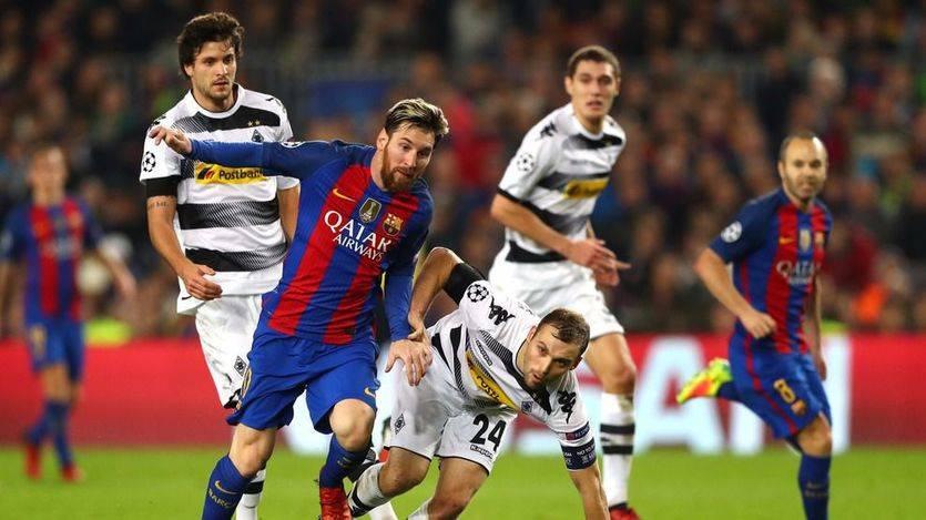 Champions: la batuta de Iniesta y la pegada de Arda reviven al Barça ante el Borussia (4-0)