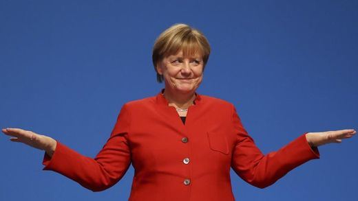 Merkel presenta candidatura al estilo Trump: