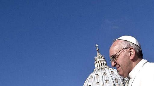 El Papa se rebela contra la conspiración interna: 'Todas las religiones tienen grupos fundamentalistas... y desde ahí destruyen'