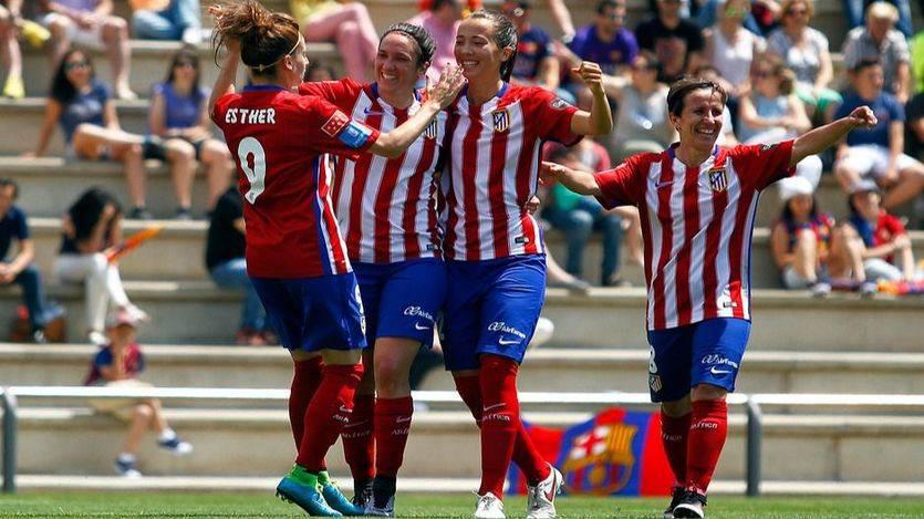 Las féminas del Atleti, mejor que los hombres: derrotan al Barça y se ponen líderes (2-1)
