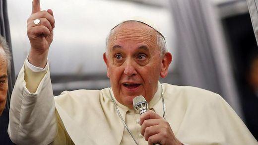 El Papa pone de ejemplo a Luther King o Gandhi antes que a cualquier otro santo de la Iglesia