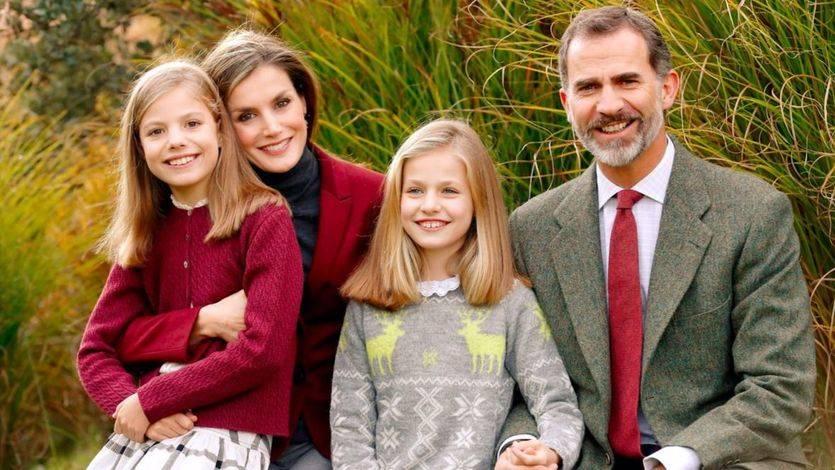 Los Reyes con sus hijas Leonor y Sofía