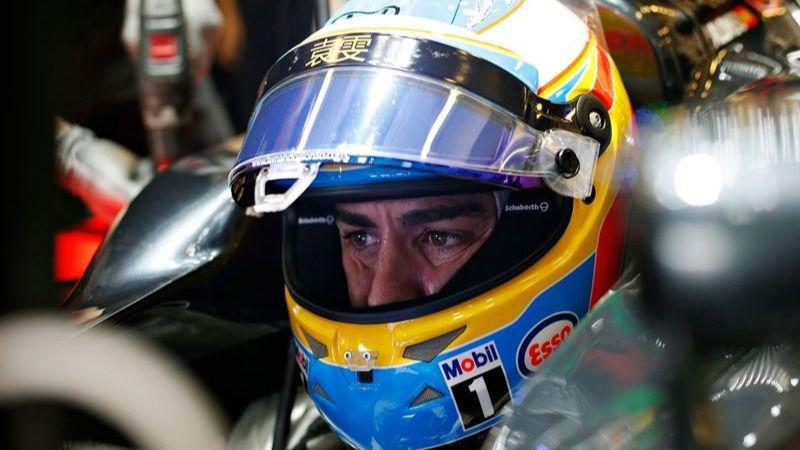 Fernando Alonso ataja los rumores sobre su 'fuga' a Mercedes