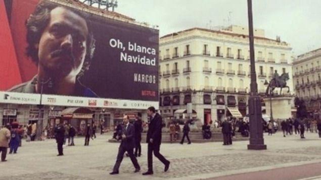 Colombia pide a Madrid que retire el gran anuncio de la serie 'Narcos' de la Puerta de Sol