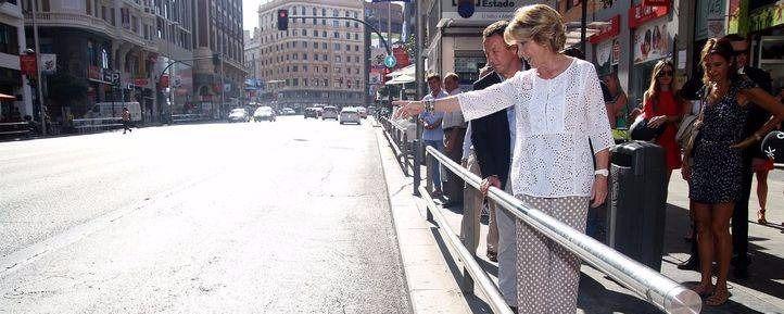 Aguirre denuncia el mal estado del pavimento de la Gran Vía